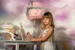 tecknar flickan royaltyfria bilder