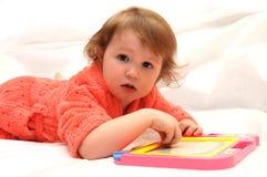 tecknar flickan little Royaltyfri Fotografi