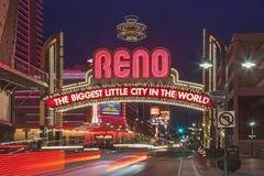Tecknet av Reno Arch på natten, Nevada Royaltyfri Bild