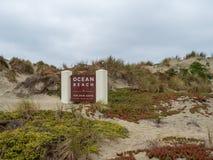 Tecknet för havstrandingången på nationellt fritids- område för Golden Gate parkerar arkivfoton