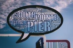 Tecknet på fiskepir i södra Pointe parkerar, Miami Beach, Flor Royaltyfria Bilder