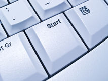 Tecla de partida en el teclado Imágenes de archivo libres de regalías