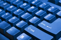 Teclado de computador azul Fotografia de Stock Royalty Free