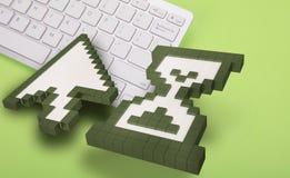 Teclado de computador no fundo verde sinais do computador rendição 3d ilustração 3D Foto de Stock