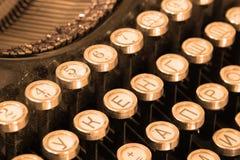 Teclado de la máquina de escribir de la vendimia Fotos de archivo