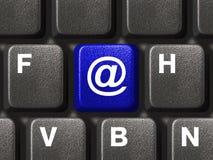 Teclado de la PC con clave del email fotos de archivo