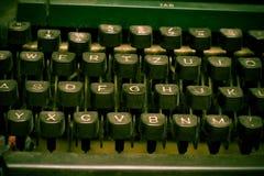 Teclado de máquina de escrever - conceito do autor imagens de stock