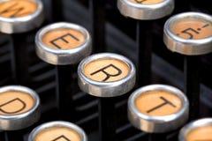Teclado de máquina de escrever velho Imagens de Stock Royalty Free
