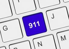 Teclado de ordenador con la llave 911 Fotos de archivo