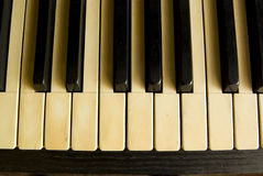 Teclado de piano antigo. fotografia de stock royalty free