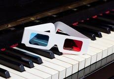 Teclado de piano com vidros 3D Imagem de Stock
