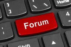 Teclado do caderno do computador com chave do fórum Imagens de Stock Royalty Free