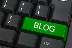 Teclado do PC com chave do blogue Imagens de Stock Royalty Free