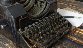 Teclado do vintage da máquina da escrita Fotografia de Stock