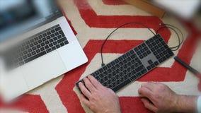 Teclado mágico novo com unboxing cinzento do espaço do teclado numérico filme