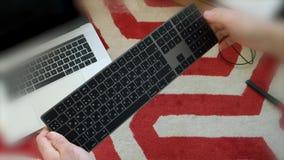 Teclado mágico novo do POV com unboxing cinzento do espaço do teclado numérico video estoque