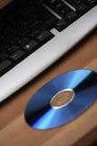 Teclado y cd/dvd Fotografía de archivo