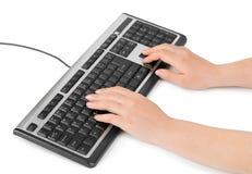 Teclado y manos de ordenador Fotografía de archivo libre de regalías