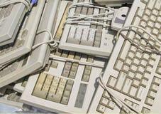 Teclados de ordenador reciclados Foto de archivo libre de regalías