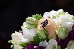 Teclas de camisa do noivo Fotos de Stock Royalty Free
