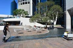 Tecnico di servizio della piscina Immagini Stock Libere da Diritti