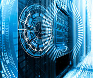Tecnología, ciberespacio y concepto de la realidad virtual - holograma con el fondo tecnológico fotos de archivo libres de regalías