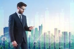 Tecnología, concepto en línea del análisis, de las finanzas y del crecimiento imagen de archivo