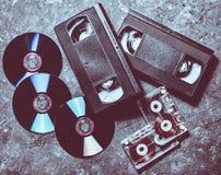 Tecnología del entretenimiento y de los medios a partir de los años 90 CD& x27; s, cas audio fotografía de archivo libre de regalías