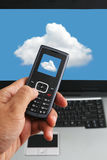 Tecnología del teléfono de la computación y de la mano de la nube Fotografía de archivo