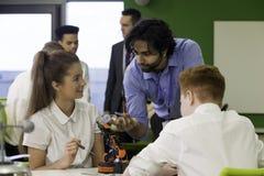 Tecnología robótica en escuela Imagenes de archivo