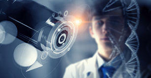 Tecnologías innovadoras en ciencia y medicina Técnicas mixtas Imagen de archivo libre de regalías