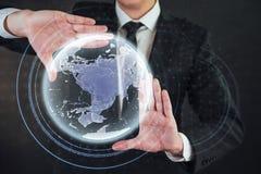 Tecnologías innovadoras en ciencia y medicina Tecnología a conectar Sostener la tierra del planeta que brilla intensamente Fotos de archivo