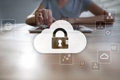 Tecnologia della nube Archiviazione di dati Concetto di servizio di Internet e della rete fotografie stock