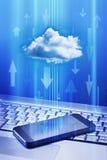 Tecnologia della nuvola del telefono cellulare fotografia stock libera da diritti