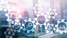 Tecnologia di automazione e concetto astuto di industria su fondo astratto vago Ingranaggi ed icone fotografie stock libere da diritti