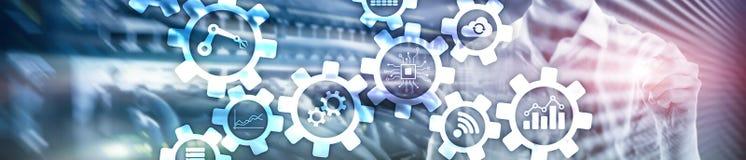 Tecnologia di automazione e concetto astuto di industria su fondo astratto vago Ingranaggi ed icone Insegna di intestazione del s fotografia stock libera da diritti