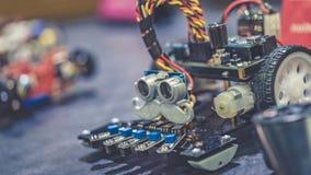 Tecnologia di fabbricazione robot industriale dell'automobile immagini stock