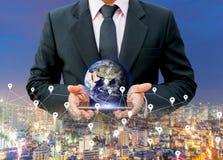 Tecnologia di rete della mappa di mondo della mappa digitale della terra degli elementi di questa immagine ammobiliati dalla NASA Fotografia Stock