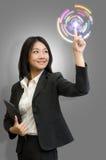 Tecnologia di tocco della donna di affari Fotografia Stock
