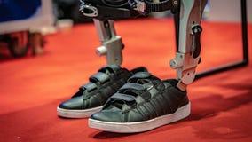 Tecnologia do mecanismo dos pés do robô industrial foto de stock royalty free