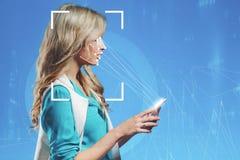A tecnologia do reconhecimento facial Retrato do louro bonito fotografia de stock royalty free