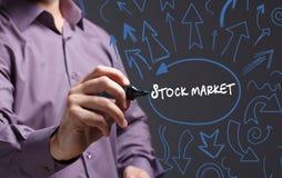 Tecnologia, Internet, negócio e mercado Homem de negócio novo Fotos de Stock