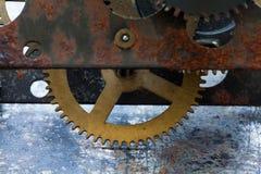 Tecnologia mecânica da engrenagem da roda da roda denteada do vintage Campo da profundidade rasa, foco seletivo Imagens de Stock Royalty Free