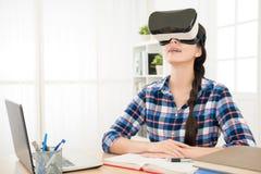 Tecnologia moderna con il concetto del lavoro a casa Fotografia Stock