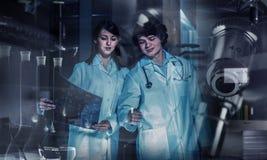 Tecnologie innovarici nella scienza e nella medicina Media misti Fotografia Stock Libera da Diritti