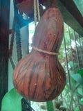 Tecomate Salvadoran antiquiteit om water te drinken stock afbeeldingen