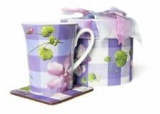 Tecup et cadre de cadeau image stock