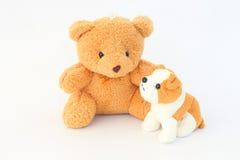 Teddy Bear e bonecas marrons do cão, orelhas marrons fotografia de stock royalty free