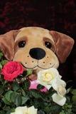 Teddy Bear Holding Flowers arkivbilder