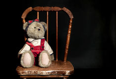 Teddy Bear Old Chair Lizenzfreie Stockfotografie